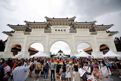 全球唯一彩虹遊行在台北! 外媒報導盛讚台灣防疫與平權