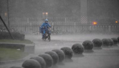 中國暴雨連發29天預警!今日再發大暴雨、冰雹預警