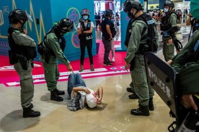 高壓管控迫害 美官員:中國疆藏模式恐移入香港