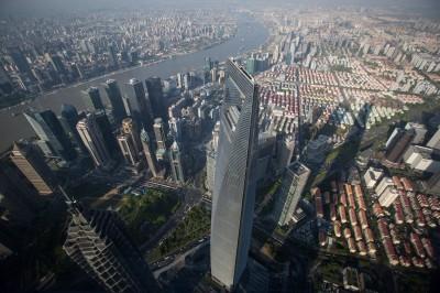 中國第一高樓成水濂洞!不敵豪雨 60樓以下狂漏水