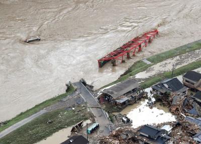 日本熊本暴雨!人吉市積水達4.3公尺 破55年前紀錄