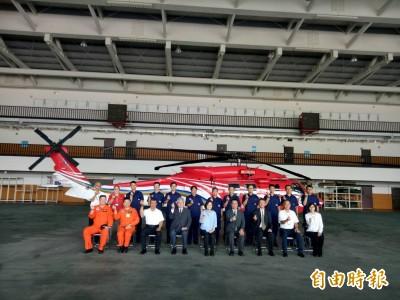 蔡總統宣布空勤飛行員將加薪4萬 每人月薪15萬起跳