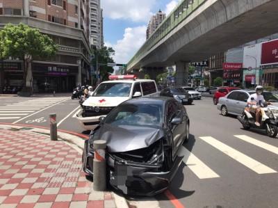 撞死人?台中救護車、汽車相撞 病患到院前死亡