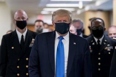 川普終於戴口罩稱「從未反對」 美媒:幕僚苦求得來
