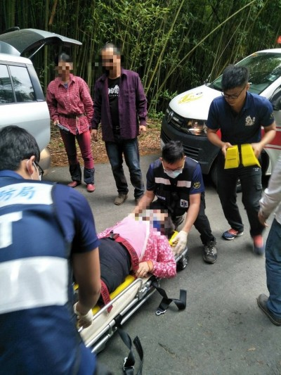 驚魂!貨車山路壓石頭劇烈抖動 車上18名採茶工人受傷送醫