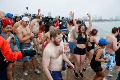 武漢肺炎》美密西根湖數百人狂歡 多人確診無法追蹤接觸史