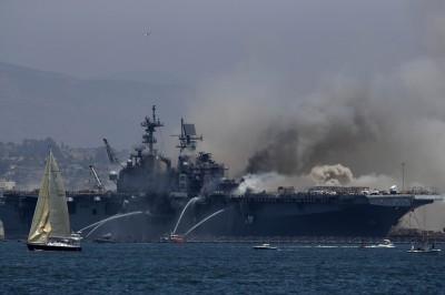 美軍兩棲登陸艦「好人理查號」突爆炸起火  21傷送醫