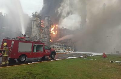 台塑六輕爆炸起火3傷  雲林縣府勒令停工開罰500萬