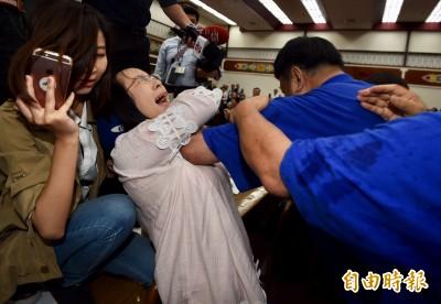 有圖為證!陳瑩控陳雪生是慣犯 曝曾被肘擊胸部