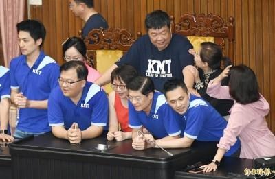 陳雪生撞范雲稱「用肚子不會懷孕」26婦團聯合譴責要求道歉