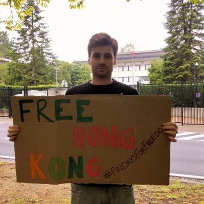 反對港版國安法 「Free Hong Kong」進軍各地中國使館
