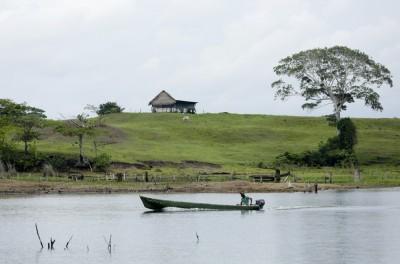 巴拿馬湖畔慘案 7名年輕人遭殺害