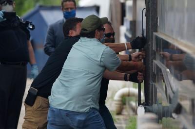 駐休士頓總領館遭美國官員破門而入  中國外交部認了