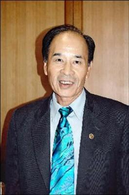 曾任宜蘭縣汽車公會理事長的游家煉,接掌葛瑪蘭客運公司董事長。(記者江志雄攝)