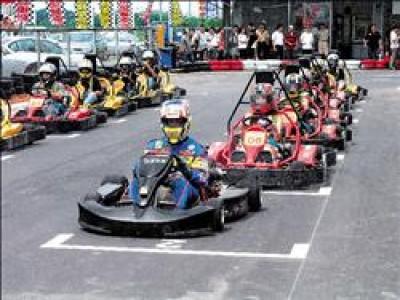 小型賽車(GO KART)起源於美國,經歐洲工業國家改良後,性能、馬力快速提升中,四行程小型賽車最高時速已突破80公里。(記者羅正明)