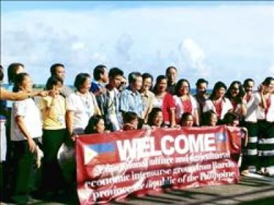 菲律賓巴丹島民與蘭嶼居民長久以來互動熱絡,兩邊人都期待突破國界,早日直航。(台師大博士生董恩慈提供)