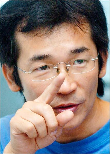 「海角七號」導演魏德聖接受本報專訪。(記者廖振輝攝)