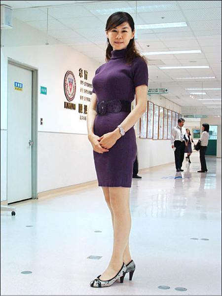 高醫營養師宋侑璇以自身經驗陪伴每個減重成員渡過難關。(記者楊菁菁攝)