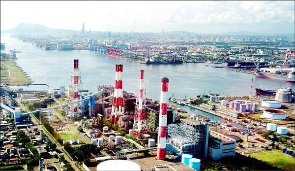 環保署將審查台電大林電廠擴建4座燃煤機組案,市長陳菊表達絕不接受。(記者張忠義攝)<br>