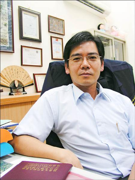 李承龍博士的學術與辦案能力備受肯定。(記者蔡彰盛攝)