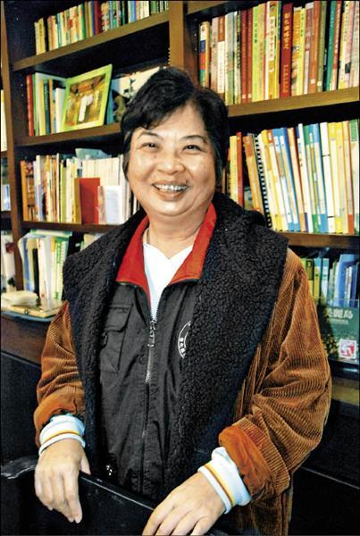 前立委陳婉真淡出政治圈後,現正埋首「台灣史」寫作,她把寫史的焦點放在一九四○至一九五○年間。(記者顏宏駿攝)