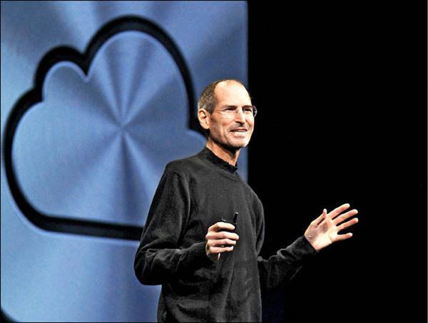 10月5日去世的賈伯斯,今年6月間在蘋果全球開發商會議上談及雲端服務,當天據信是賈伯斯最後一次公開露面。(路透)