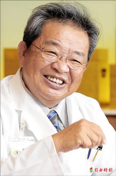 國內泌尿科權威、現任西園醫院院長陳淳。(記者王敏為攝)
