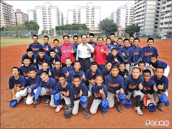 興仁國中棒球隊「逆轉勝」的故事,值得各級球隊學習。(記者洪定宏攝)