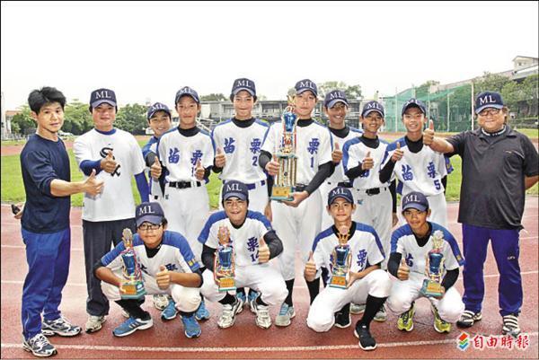 苗栗國中棒球隊今年首次參加縣長盃棒球賽就奪冠。(記者林欣漢攝)