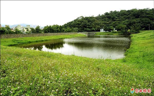 202兵工廠改建生技園區,範圍內的濕地引發各界關注,也催生了台灣首部濕地法。(資料照,記者方賓照攝)