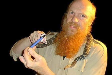 佐恩一生致力於蛇類保育並將消除人類對蛇的恐懼視為個人使命,不料最後竟命喪自己最愛的蛇。(Dieter Zorn Facebook)