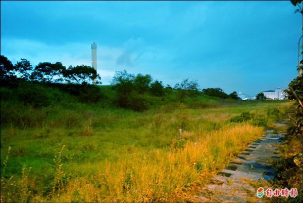 五結鄉規劃最快明年在利澤國中附近舊垃圾掩埋場土地,興建二點三公頃標準型棒球場。(記者朱則瑋攝)