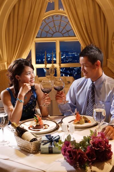 「Minami's混血異國戀」整理出約會吃飯,會讓女生傻眼的8個舉動,供男士朋友參考。(資料照,記者洪定宏攝)