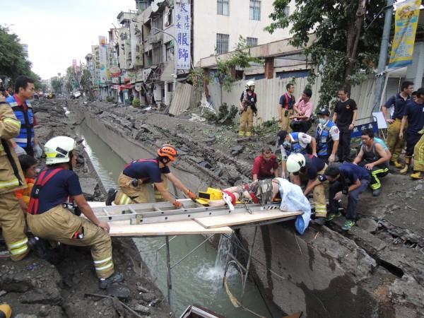 連環大爆炸發生後,單是三多路就有10人當場死亡,肇因石化氣在下水道系統擴散及大量累積。(記者洪定宏攝)