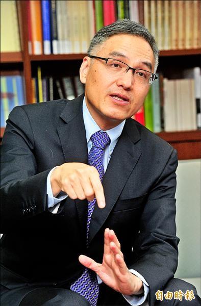 蔣經國基金會執行長朱雲漢。(記者簡榮豐攝)