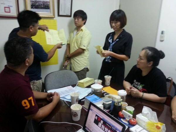 壹電視工會舉行罷工投票開票,以140票對15票通過罷工,成為台灣史上首度取得「罷工權」的電視台。(圖擷取自壹電視工會臉書)