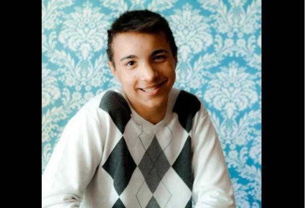 16歲少年貝茲出櫃後遭同學霸凌,最後選擇自殺。(圖翻攝自AJ Betts臉書)