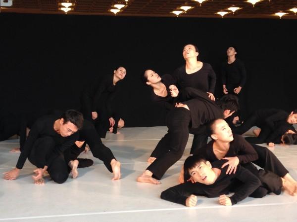 雲門新舞作「微塵」,將在國家戲劇院世界首演。(記者楊媛婷攝)