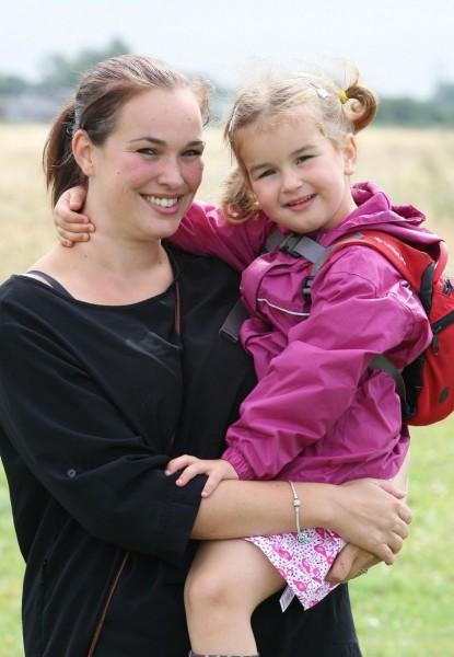 英國一名女童對堅果過敏,日前因聞到花生導致她休克。(取自《鏡報》)