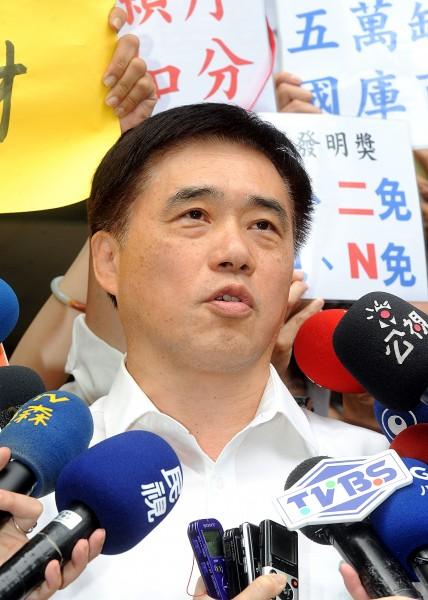 台北市長郝龍斌坦承12年國教政策的執行是失敗的。(資料照,記者方賓照攝)