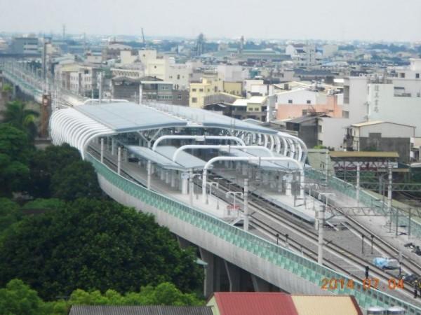 倒立竹籃造型的新員林高架車站。(照片取自鐵工局網站)