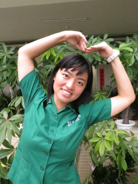 台中女中應屆畢業生林心怡為提昇競爭力,前進中國北京大學攻讀醫科。(記者蘇孟娟攝)
