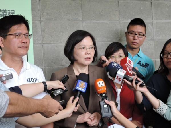 民進黨主席蔡英文呼籲北京當局,正視港人民主要求。(記者陳慧萍攝)