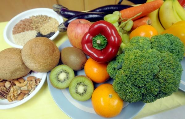 英國研究指出,多吃蔬菜水果不僅更健康,也讓人更有魅力。(資料照,記者林正堃攝)
