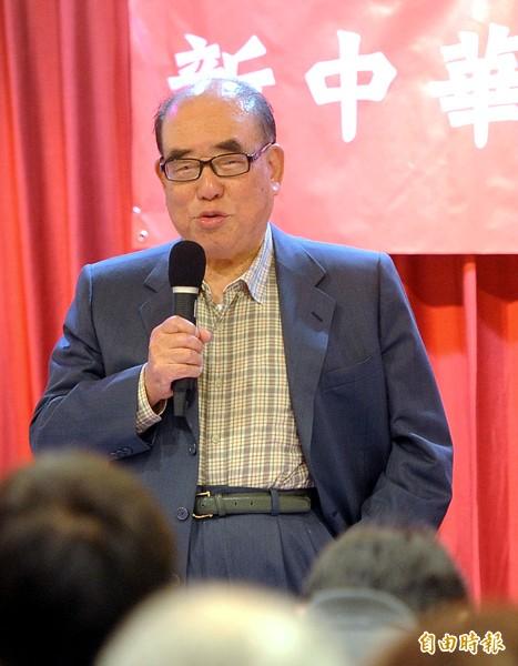 新中華兒女促進會昨舉辦抗戰勝利紀念日研討會, 前行政院長郝柏村應邀出席並發表演說。(記者王敏為攝)