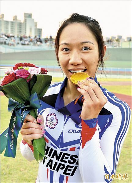「亞洲車后」蕭美玉,昨以總積分二二七分在仁川亞運自由車女子全能賽拿下金牌,也是台灣在本屆亞運所獲第五面金牌。(特派記者王藝菘攝)