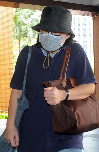 台北地檢署偵辦台大醫院MG149案,今傳喚台大醫院醫務助理劉如意到案說明。(記者王敏為攝)