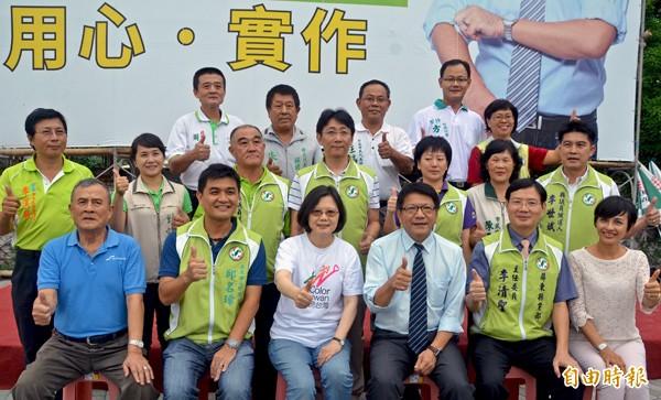 民進黨主席蔡英文昨赴屏東市參加黨員幹部座談。(記者葉永騫攝)