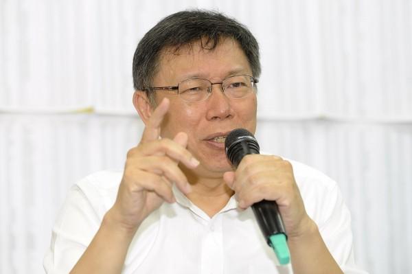 台北市長參選人柯文哲昨發表自行車政見,遭對手解讀為要取消YouBike免費優惠。(資料照,記者陳志曲攝)