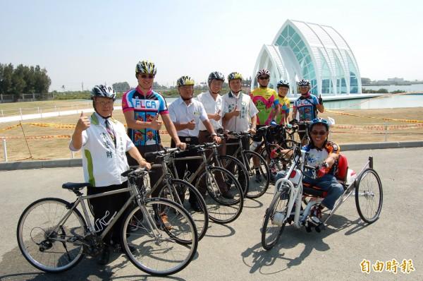 台南不落191瘋樂活自行車活動,11月16日將從最近爆紅的「北門婚紗美地」水晶教堂出發。(記者楊金城攝)